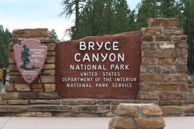 Bryce_Canyon_NP_entrance